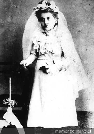 Gabriela Mistral, ca. 1899